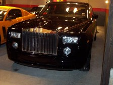 ROLLS ROYCE PHANTOM driven through traffic lanes that were being painted.